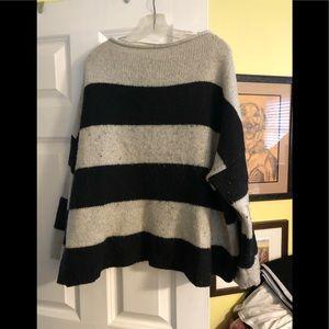 Ladies sweaters / fleeces